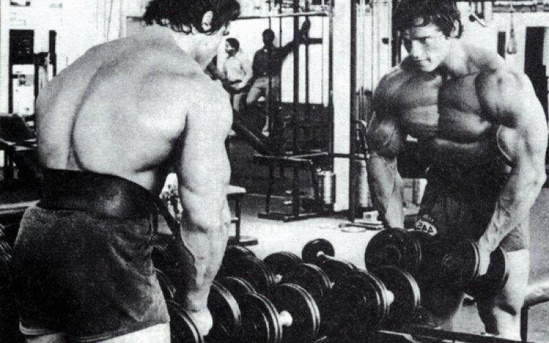 Съвети за тренировка от Арнолд и неговата тренировка за рамо