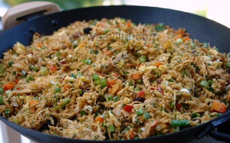 Пържено пиле със зеленчуци и ориз